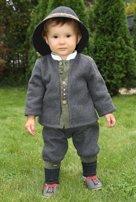 media/image/baby-trachtenmode-set-taufe-in-tracht.jpg